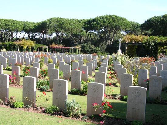 Hotel Parco dei Principi: Beach Head War Cemetery, Anzio