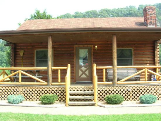 Smoke Hole Caverns & Log Cabin Resort Foto