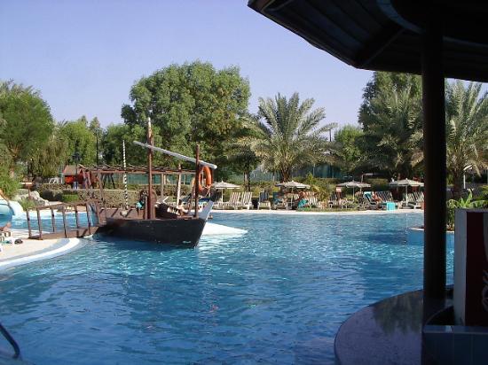 Hilton Al Ain: Swimming Pool, Hilton Hotel, Al Ain