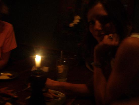 Jessop's Tavern: cozy candlelight