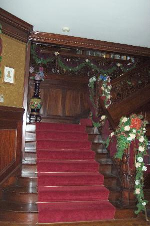 Great Stone Castle : The Grand Staircase