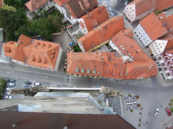 Nördlingen, Deutschland: Looking straight down