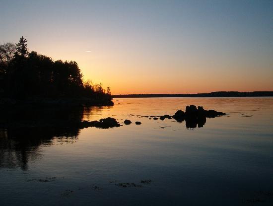 Edgewater Motel & Cottages: sunset