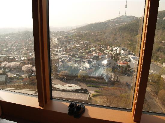 โรงแรมแกรนด์ ไฮแอท: View of Namsan (mountain)