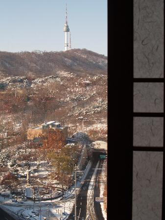 The Shilla Seoul: View of Namsan from Shilla hotel room