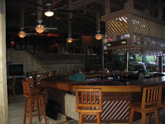 Anthony's Key Resort: main bar