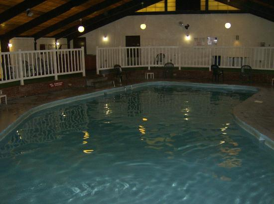Quality Inn & Conference Center: This is how the cold pool looks now!