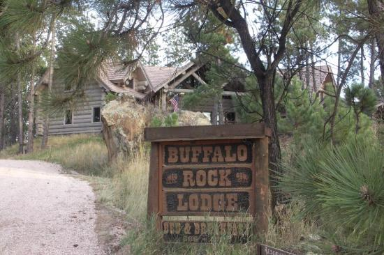 Buffalo Rock Lodge : Front Yard