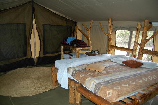 Serengeti Tented Camp - Ikoma Bush Camp: Inside my tent