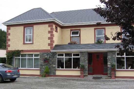 Front view of Kingfisher lodge