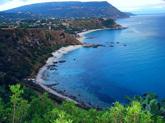 "Capo Vaticano, Italia: Main beach from ""Belvedere"" view"