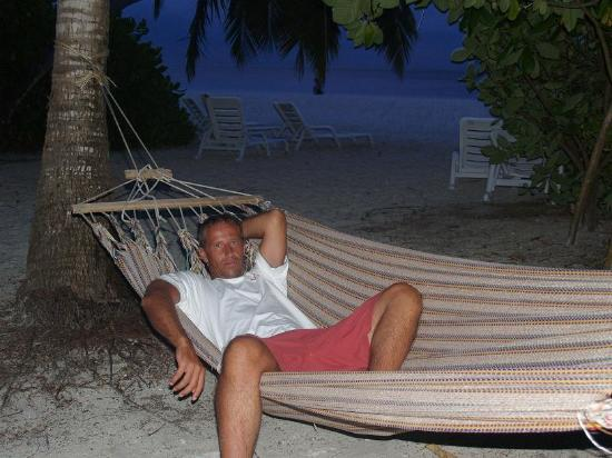 Relaxing hammocks! - Photo de Fihalhohi Island Resort, Fihalhohi ...