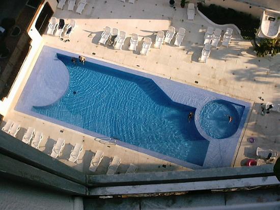 Hotel Amarea Acapulco: the pool