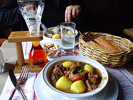 Flemish Pot w/Kwak Beer & Pelligrino Water