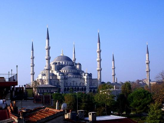 Uyan Hotel: View from of Blue Mosque from Hotel Uyan rooftop