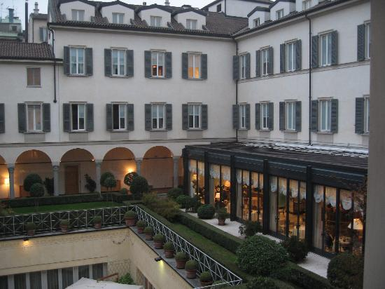 Four Seasons Hotel Milano: Internal courtyard