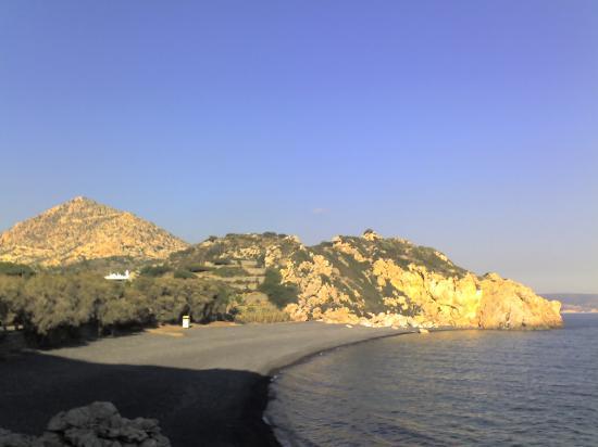 Παραλία Μαύρα Βόλια