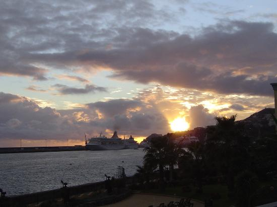 Porto Santa Maria Hotel: Sunset from the balcony