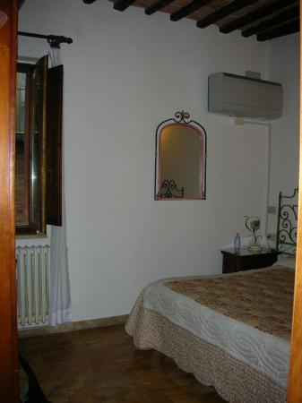 Hotel Antica Torre: top room facing street
