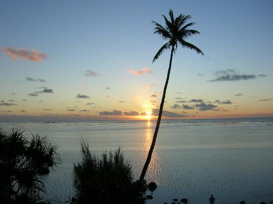 Pacific Resort Aitutaki: Sunset at PR restaurant