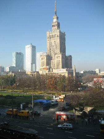 Polonia Palace Hotel : the view from our room by day