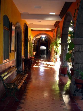 Parador San Sebastian: Upstairs hallway