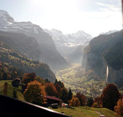 Hotel Eiger Wengen: the ride to wengen