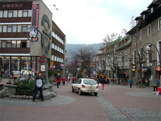 Gromada Zakopane: View from outside hotel towards the Markets