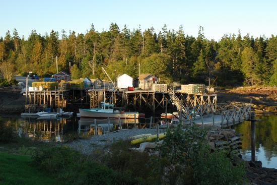 Bunker's Wharf Restaurant