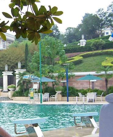 Guo Bin Garden Hotel: lovely, relaxing swimming pool