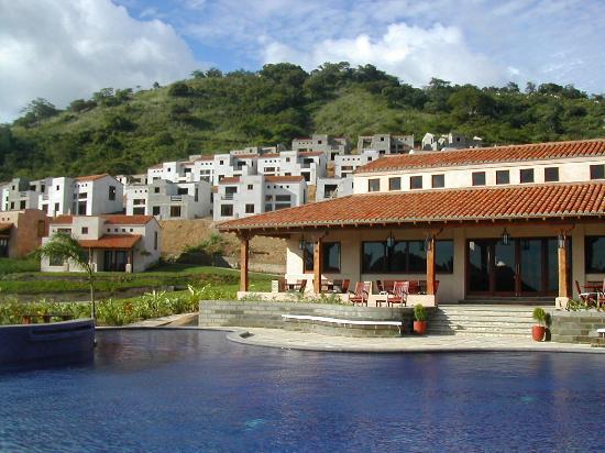 Hotel & Resort Palermo : Pool and Villas