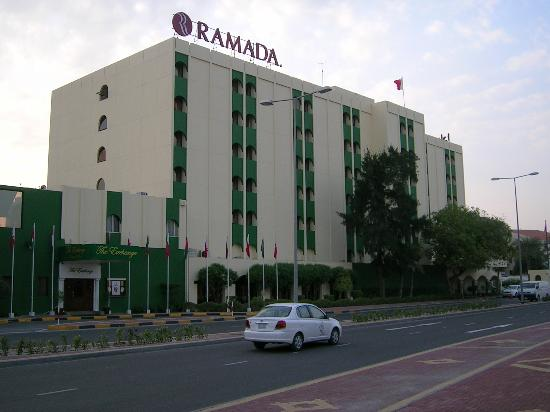 Ramada Hotel Bahrain: Hotel from outisde