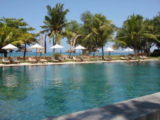 Belmond Jimbaran Puri: giant pool