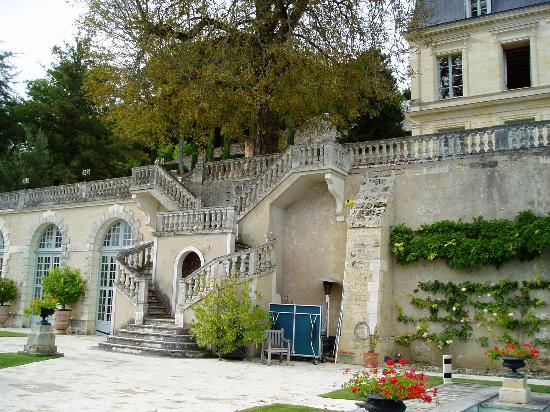 Domaine des Bidaudieres : view from pool to Chateau, lift available