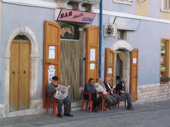 Abruzja, Włochy: relaxing in Abruzzo