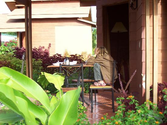 Hotel El Silencio del Campo : Front Porch of Rooms