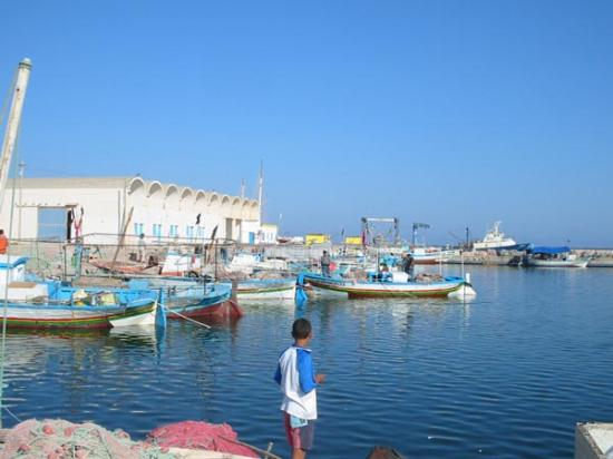 Chergui, Tunisia: TYPICAL KERKENNAH FISHING VILLAGE