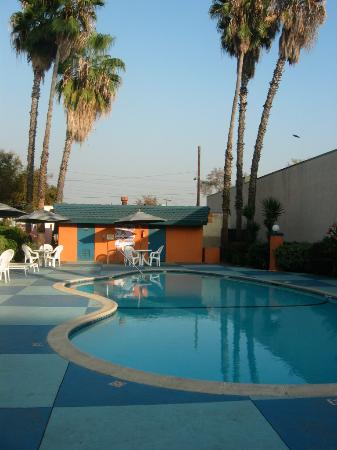 Super 8 Pasadena/LA Area: Pool area