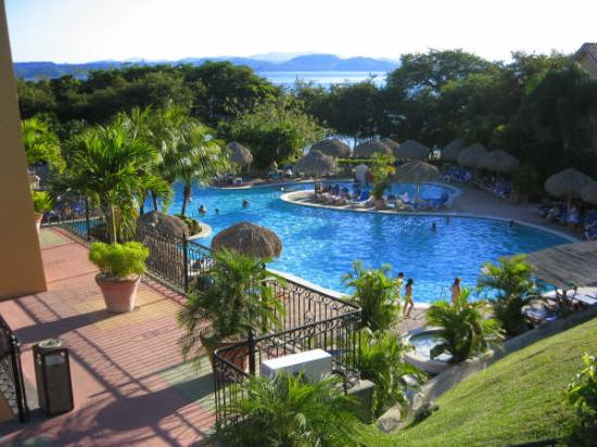 Allegro Papagayo: Pool view from walkway
