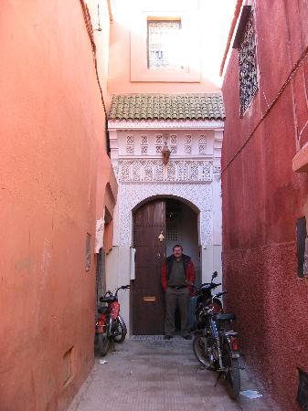 """Riad Ifoulki : """"Down an unimposing alley ...."""""""