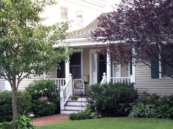 17 Chestnut Street B&B