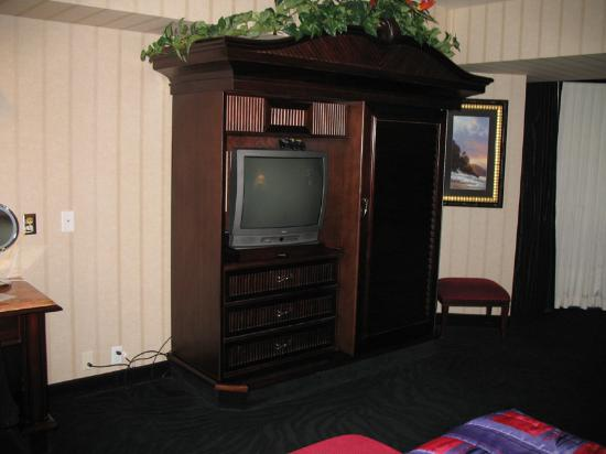 Montego Bay Casino Resort: Single king suite no plasma tv