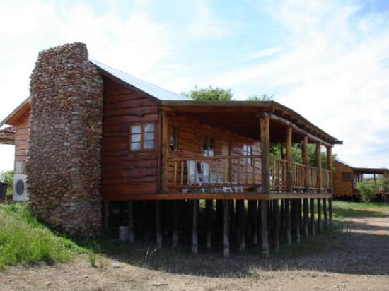 De Zeekoe Guest Farm : Log Cabin