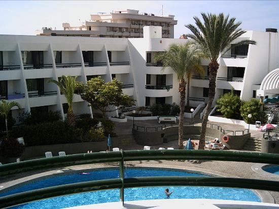 Optimist Aparthotel: Our View of the pool
