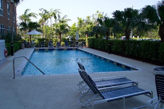 Hampton Inn Hallandale Beach/Aventura: Swimming Pool