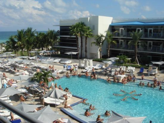 The Ritz Carlton South Beach Pool W Weekly Performance