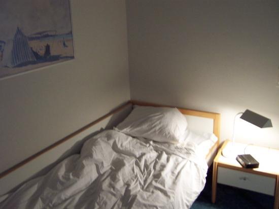 BEST WESTERN Hotel Braunschweig: tiny bed