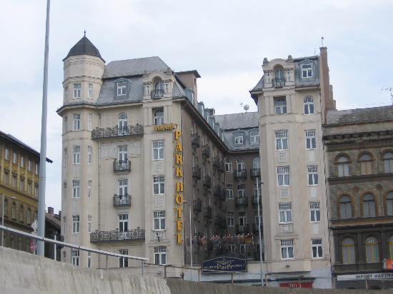 Golden Park Hotel Photo