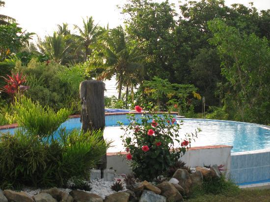Black Rock Villas: Black Rock gardens