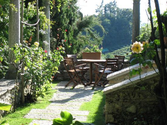 Ufficio Zen Garden : A private place in the garden picture of villa cipriani hotel